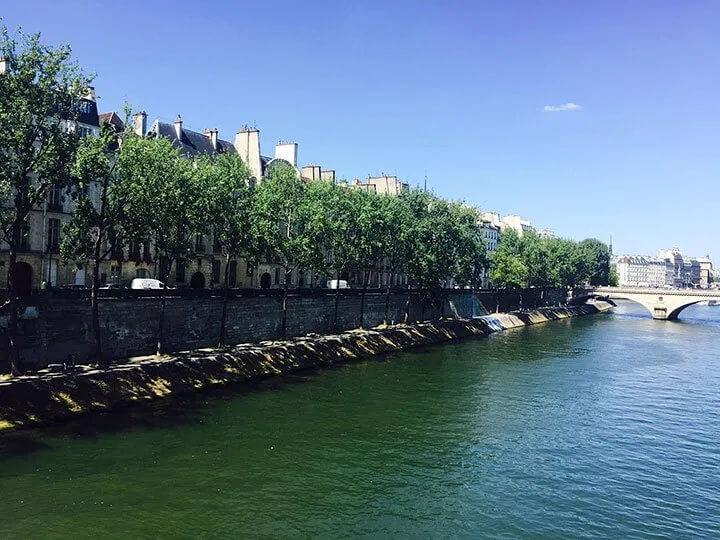 Hemingway and the Ile Saint-Louis